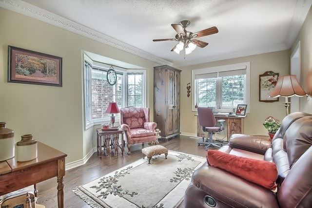 Condo Leasehold at 30 Norm Faulkner Dr, Whitchurch-Stouffville, Ontario. Image 3
