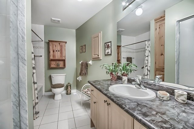 Condo Leasehold at 30 Norm Faulkner Dr, Whitchurch-Stouffville, Ontario. Image 5