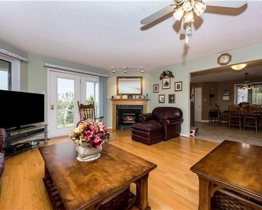 Detached at 2338 Gilford Rd W, Innisfil, Ontario. Image 16