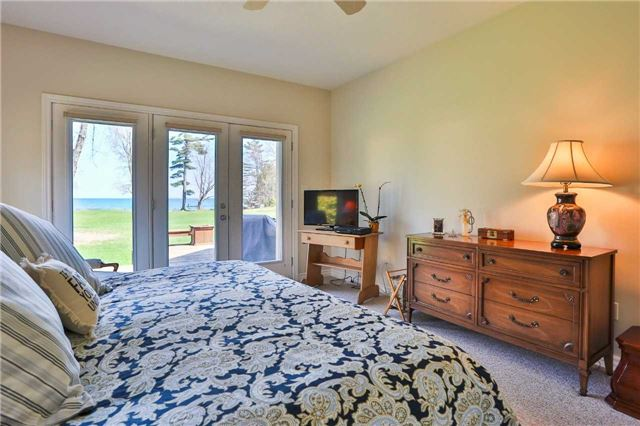 Detached at 3859 Stonegate Pl, Innisfil, Ontario. Image 4