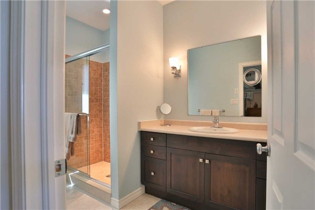 Detached at 3859 Stonegate Pl, Innisfil, Ontario. Image 5