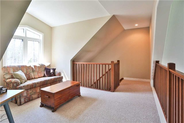 Detached at 3859 Stonegate Pl, Innisfil, Ontario. Image 9