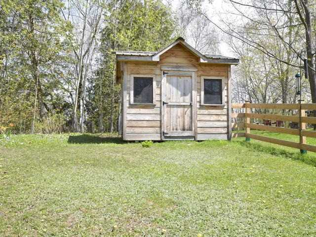 Detached at 430 North St, Brock, Ontario. Image 9