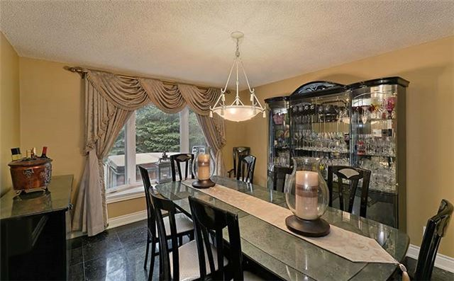 Detached at 66 Beaufort Hills Rd, Richmond Hill, Ontario. Image 17