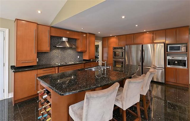Detached at 66 Beaufort Hills Rd, Richmond Hill, Ontario. Image 19