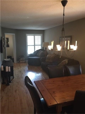 Semi-detached at 75 Widdifield Ave, Newmarket, Ontario. Image 5