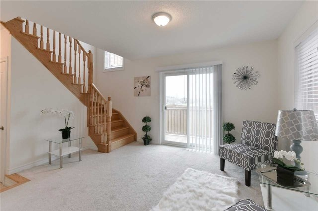 Townhouse at 15 City Park Circ, Vaughan, Ontario. Image 2