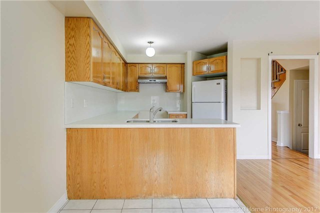 Townhouse at 20 Harry Blaylock Dr, Markham, Ontario. Image 5