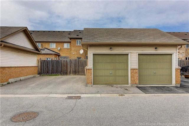 Townhouse at 20 Harry Blaylock Dr, Markham, Ontario. Image 13