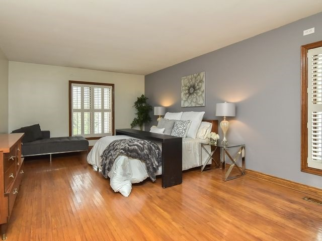Detached at 55 Hillside Ave, Vaughan, Ontario. Image 2