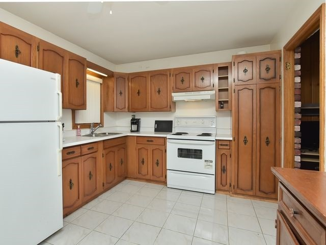 Detached at 55 Hillside Ave, Vaughan, Ontario. Image 3