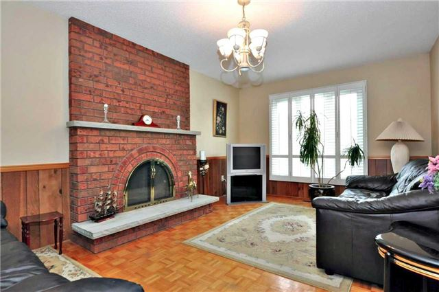 Detached at 25 Foundry Cres, Markham, Ontario. Image 15