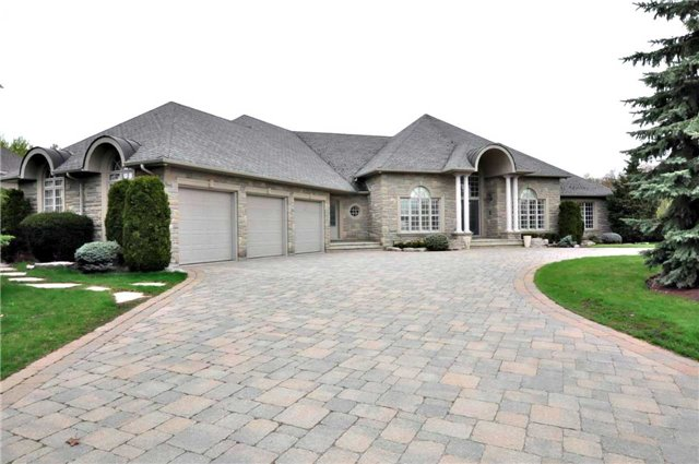 Detached at 166 Ward Ave, East Gwillimbury, Ontario. Image 1