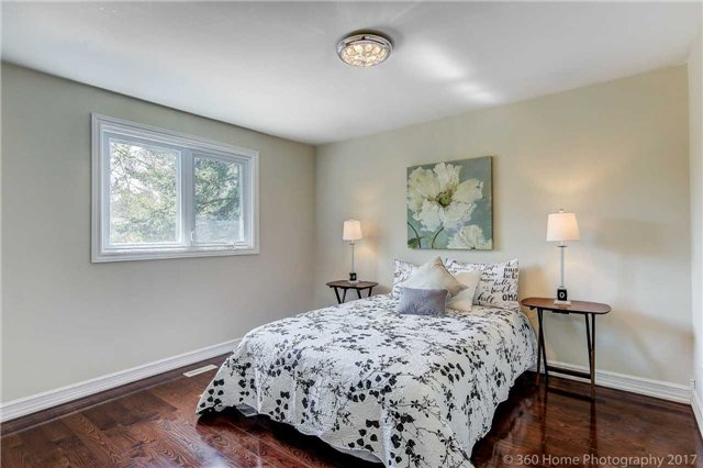 Detached at 84 Liebeck Cres, Markham, Ontario. Image 2