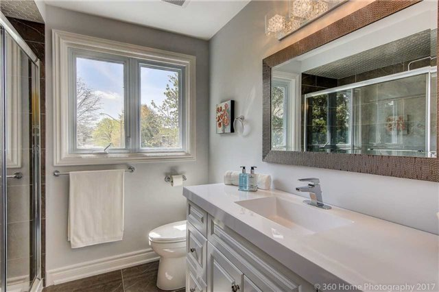 Detached at 84 Liebeck Cres, Markham, Ontario. Image 5