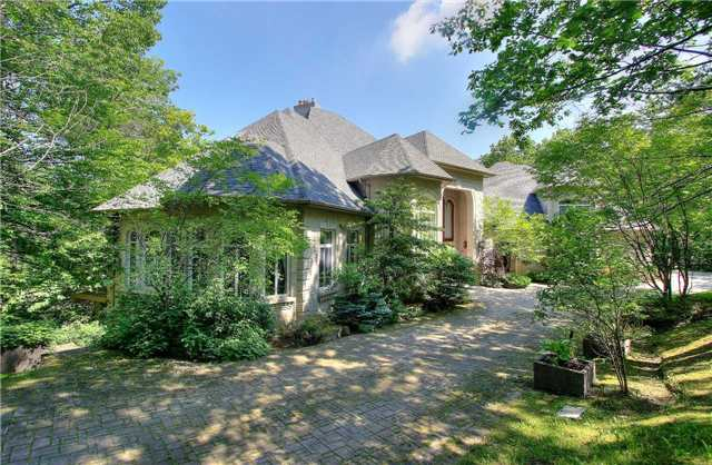 Detached at 143 Forest Ridge Rd, Richmond Hill, Ontario. Image 10
