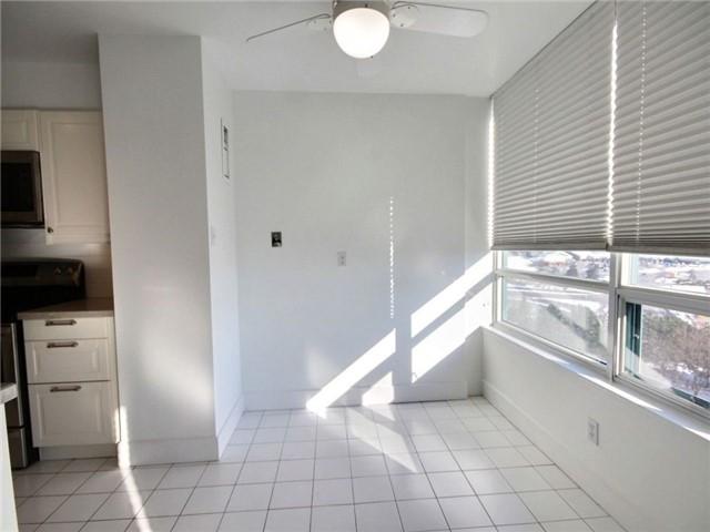 Condo Apartment at 120 Promenade Circ, Unit 802, Vaughan, Ontario. Image 9