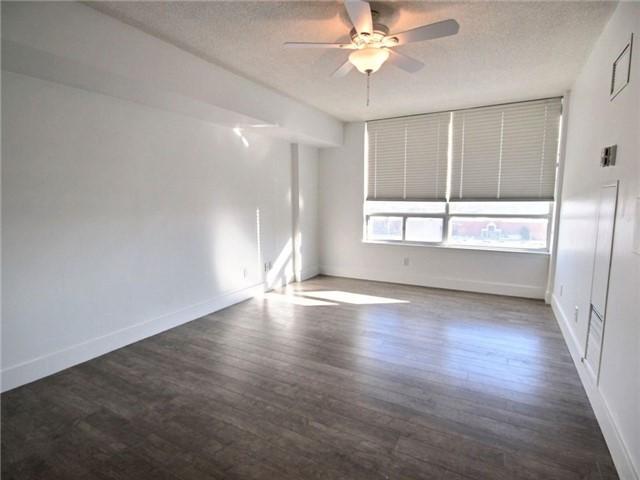 Condo Apartment at 120 Promenade Circ, Unit 802, Vaughan, Ontario. Image 10