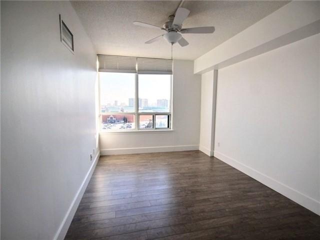 Condo Apartment at 120 Promenade Circ, Unit 802, Vaughan, Ontario. Image 11