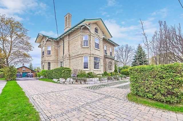 Detached at 233 Prospect St, Newmarket, Ontario. Image 12