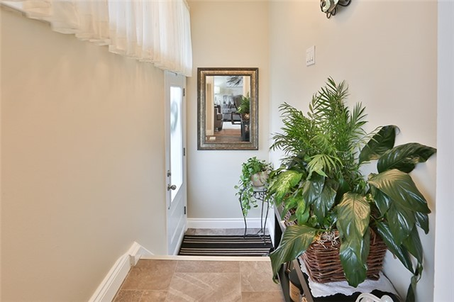 Semi-detached at 164 Longford Dr, Newmarket, Ontario. Image 12