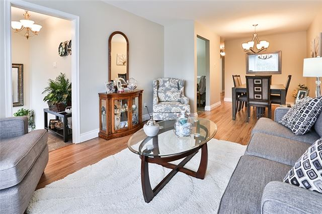 Semi-detached at 164 Longford Dr, Newmarket, Ontario. Image 15