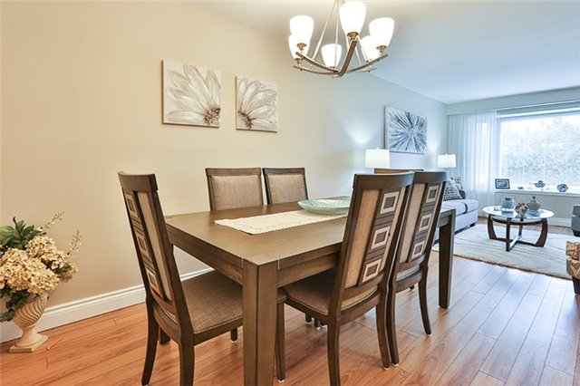 Semi-detached at 164 Longford Dr, Newmarket, Ontario. Image 17