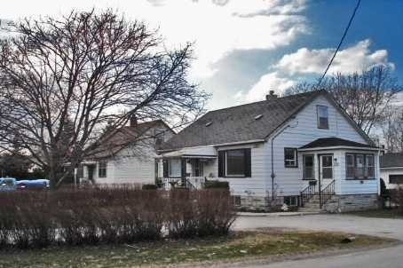 Detached at 320 Victoria St E, New Tecumseth, Ontario. Image 2