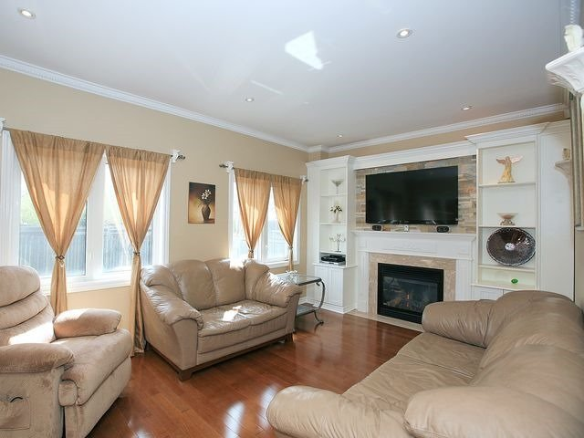 Detached at 54 Iveagh Dr, Georgina, Ontario. Image 17