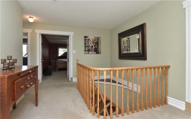 Detached at 371 Nelson St E, New Tecumseth, Ontario. Image 6