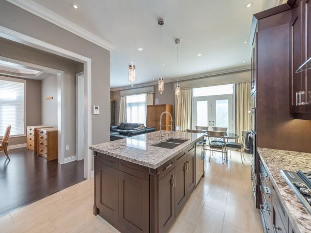 Detached at 94 Woodvalley Cres, Vaughan, Ontario. Image 18