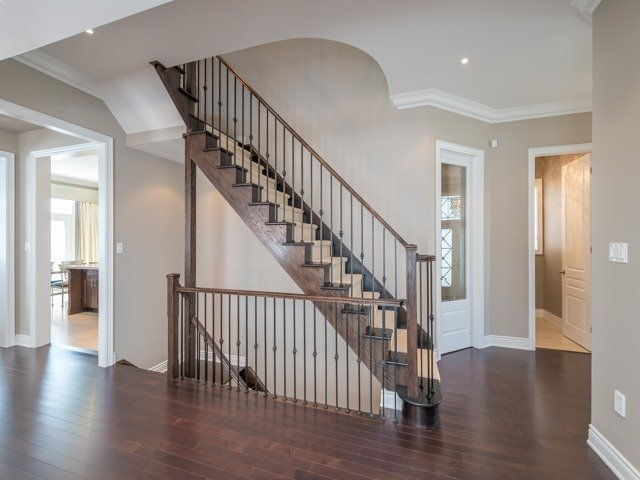 Detached at 94 Woodvalley Cres, Vaughan, Ontario. Image 3