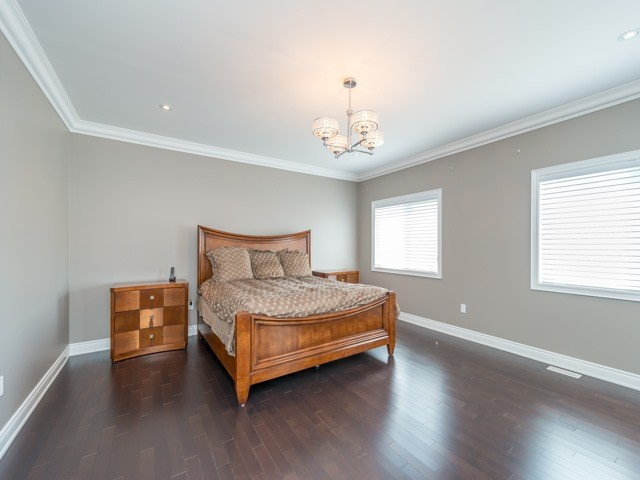 Detached at 94 Woodvalley Cres, Vaughan, Ontario. Image 4