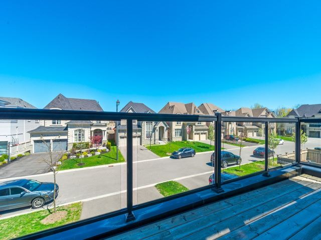 Detached at 94 Woodvalley Cres, Vaughan, Ontario. Image 11