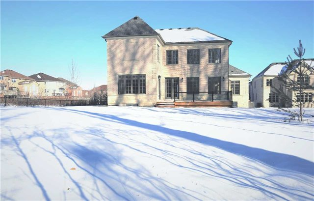 Detached at 123 Eagle Peak Dr, Richmond Hill, Ontario. Image 5