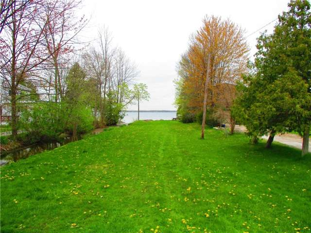 Detached at 28 Lambrook Dr, Georgina, Ontario. Image 13