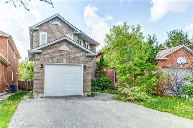 Detached at 37 Newmill Cres, Richmond Hill, Ontario. Image 1