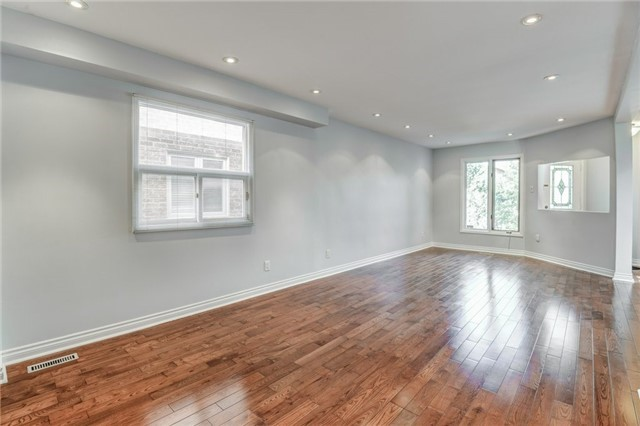 Detached at 37 Newmill Cres, Richmond Hill, Ontario. Image 12