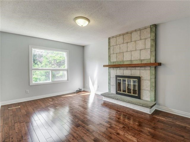 Detached at 37 Newmill Cres, Richmond Hill, Ontario. Image 14