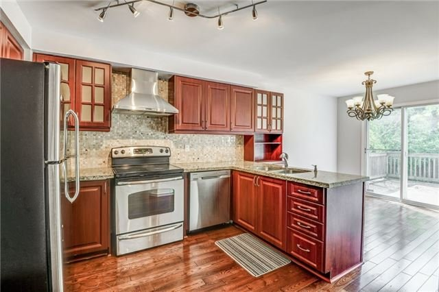 Detached at 37 Newmill Cres, Richmond Hill, Ontario. Image 16