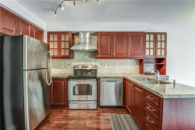 Detached at 37 Newmill Cres, Richmond Hill, Ontario. Image 18