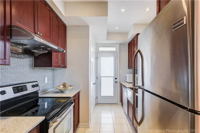 Condo Townhouse at 26 Comely Way, Markham, Ontario. Image 18