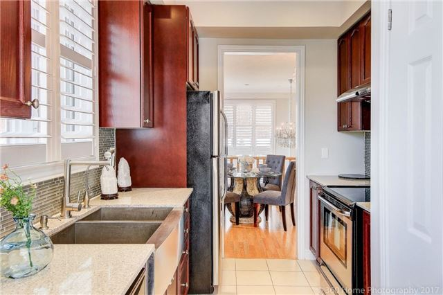 Condo Townhouse at 26 Comely Way, Markham, Ontario. Image 19