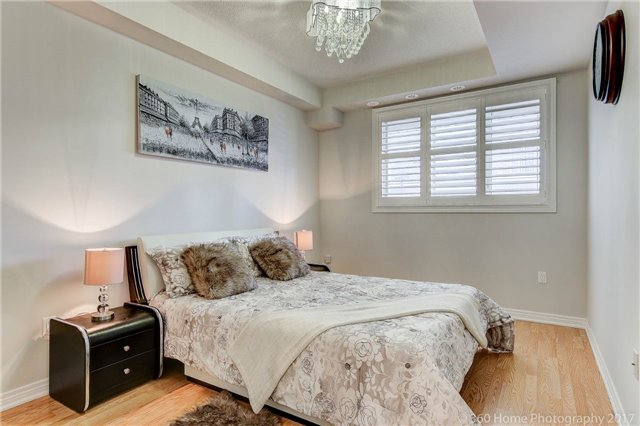 Condo Townhouse at 26 Comely Way, Markham, Ontario. Image 3