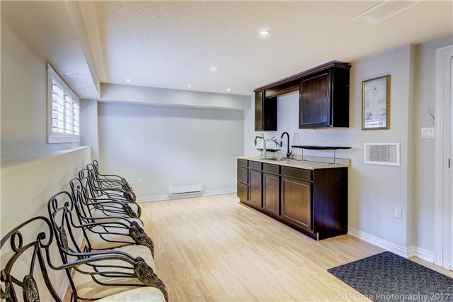 Condo Townhouse at 26 Comely Way, Markham, Ontario. Image 9