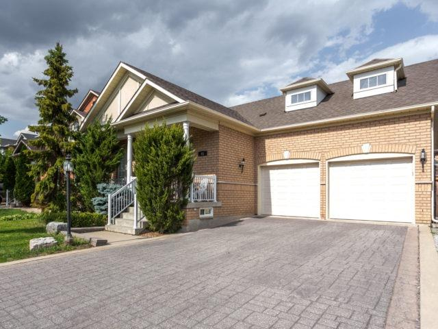 Detached at 45 Saint Stephen Cres, Vaughan, Ontario. Image 1