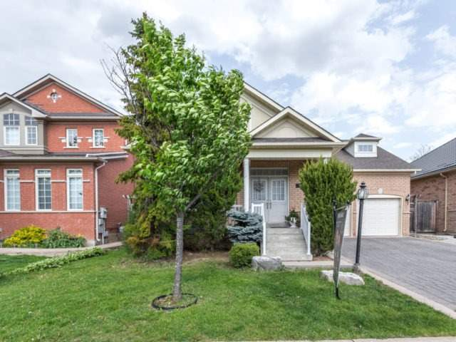 Detached at 45 Saint Stephen Cres, Vaughan, Ontario. Image 12