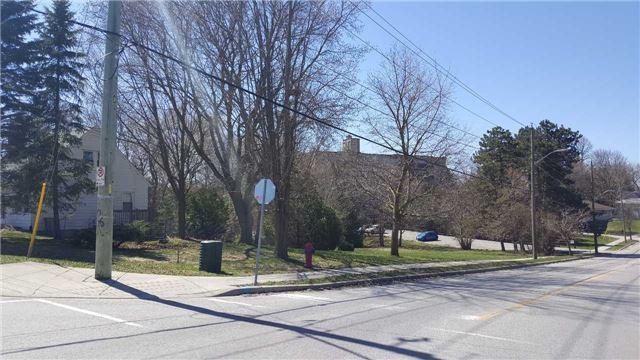 Vacant Land at 66B Roxborough Rd, Newmarket, Ontario. Image 2