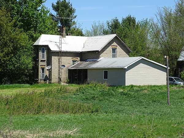 Detached at B33935 Thorah Sdrd, Brock, Ontario. Image 1
