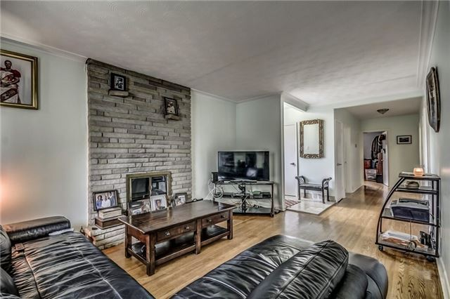 Detached at 399 Lynett Cres, Richmond Hill, Ontario. Image 14